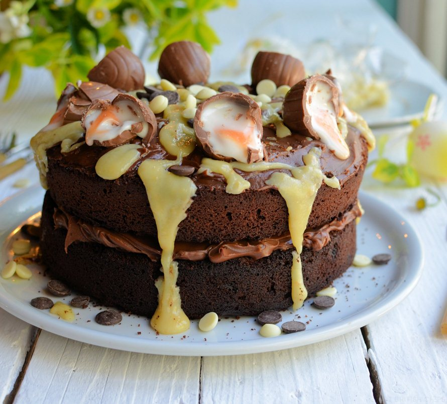 Creme-Egg-Chocolate-Drizzle-Cake